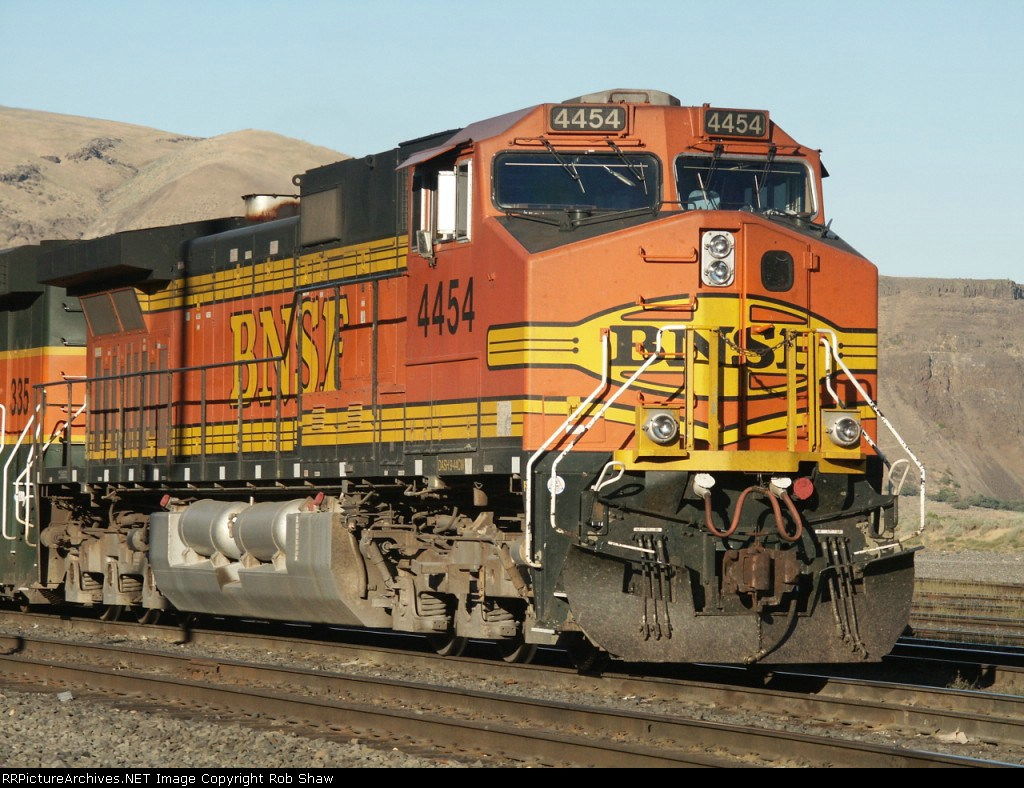 BNSF 4454